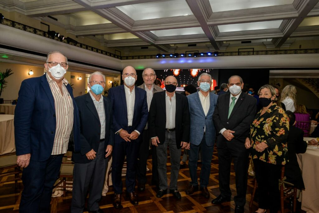 Presidente da CNC apresenta projeto ao prefeito do Rio